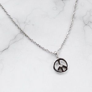 Jewelry - Tiny Peace ✌🏻Sign Necklace with Diamond 💎